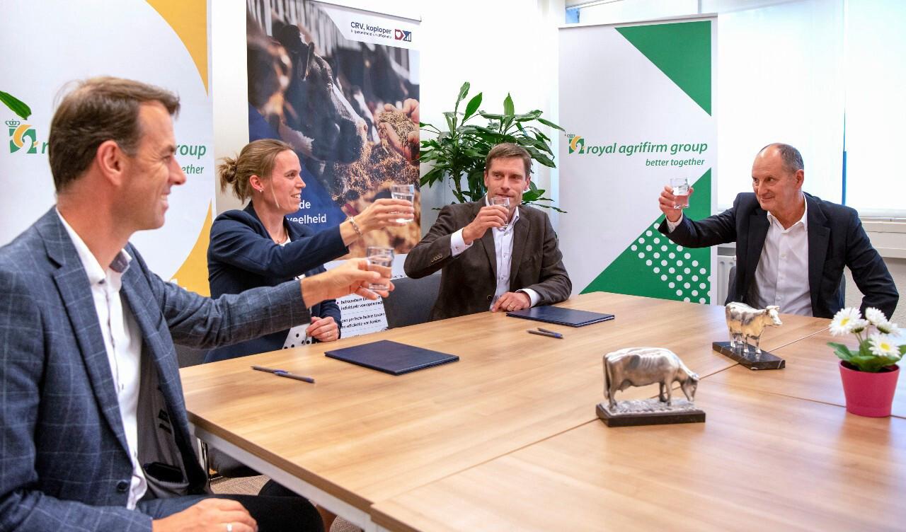 Sander de Roos (CRV), Maarten Moleman (CRV) Johan de Schepper (Agrifirm) and Judith Mensink (Agrifirm)
